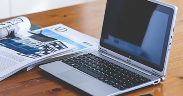 Laptop, Zeitschriften